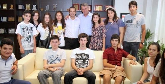 Genç tiyatroculara Başkan teşekkürü