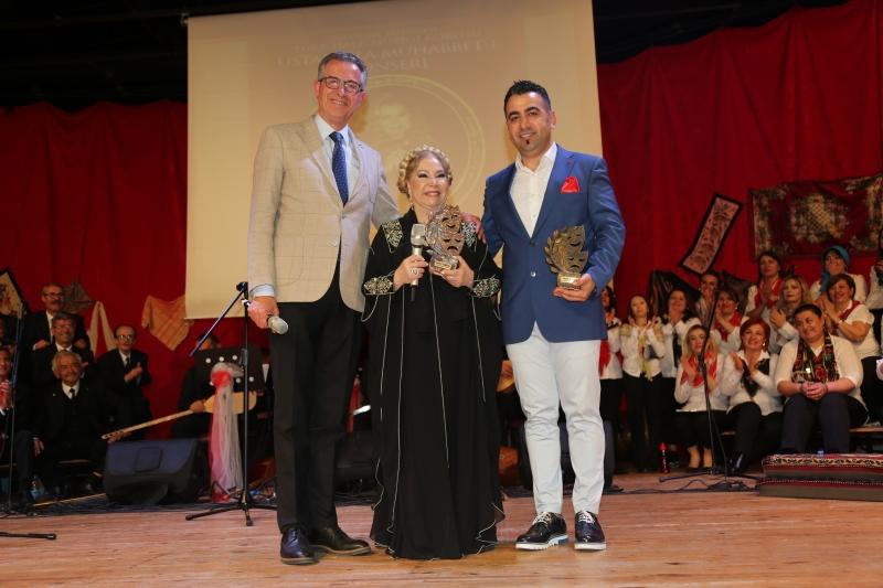 Gaziemir'de Bedia Akartürk coşkusu